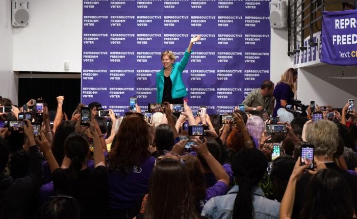 Elizabeth Warren får ökat väljarstöd i ett splittrat demokratisktparti