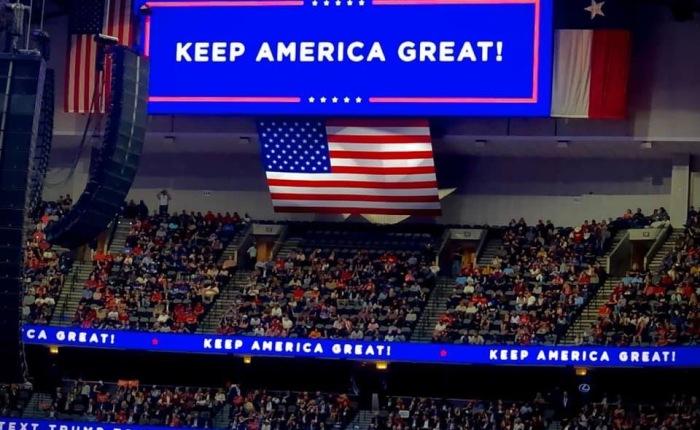 Blint Trump hat, utrikespolitiska åsiktsskillnader eller politisk inblandning i 2020 valet — en analys av riksrätten mot DonaldTrump